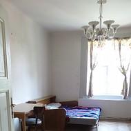 Prenájom 2i bytu s pozemkom, v centre Malaciek.